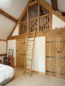 Oak frame Tudor-style self-build