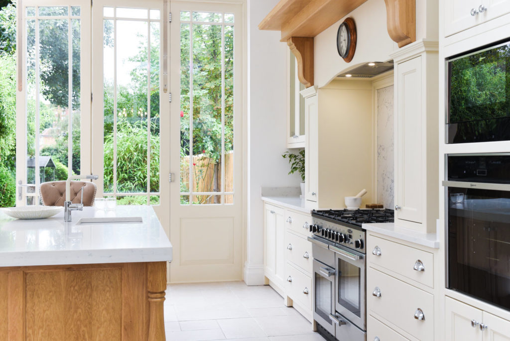 Kitchen with ample glazing